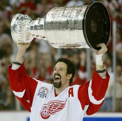 Brendan Shannahan played for the Detroit Red Wings