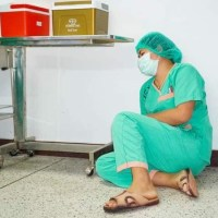 Photos of exhausted medical professionals, staff go viral, receive overwhelming support #SootinClaimon.Com