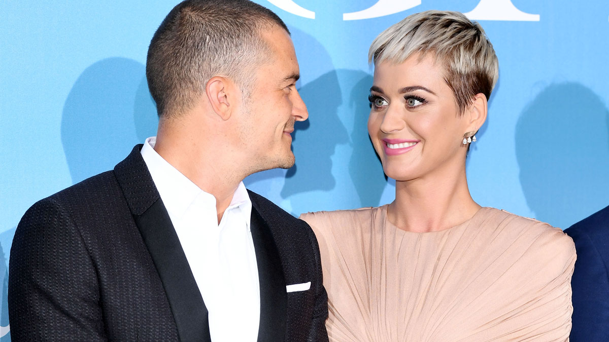 Katy Perry Announces She S Pregnant In Never Worn White Music