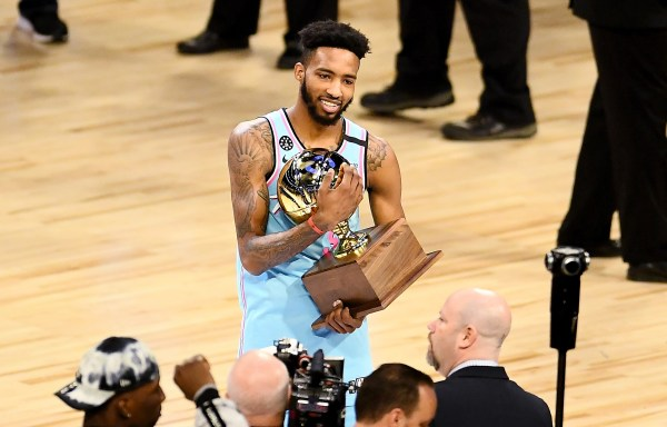 Dwight Honors Kobe; Derrick Jones Jr. Wins Thrilling NBA Slam Dunk Contest