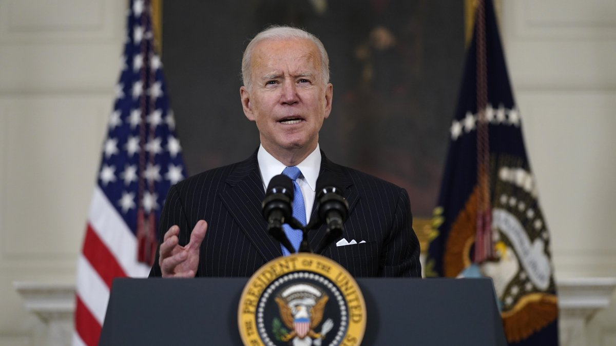 Biden Vows Enough Vaccine for All US Adults by End of May 1