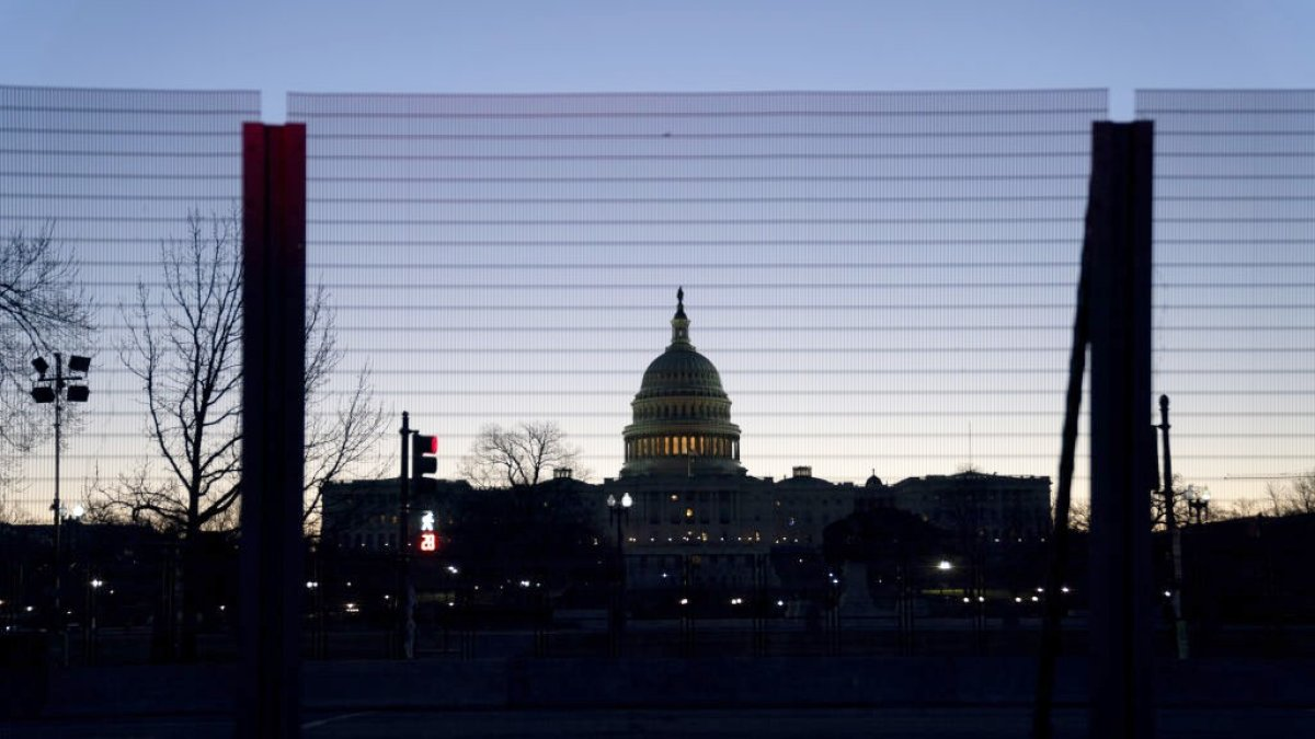 Police Uncover 'Possible Plot' to Breach Capitol; US House Scraps Thursday Session 1