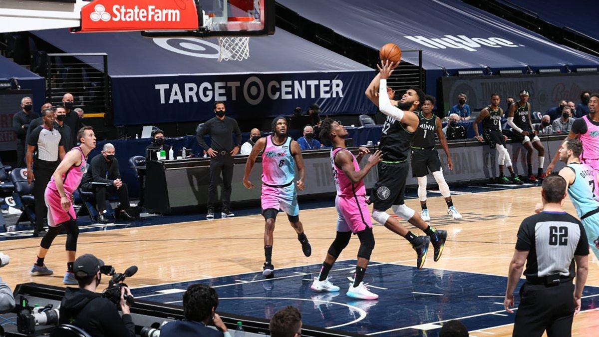 Towns Scores 24, Helps Minnesota Timberwolves Beat Miami Heat