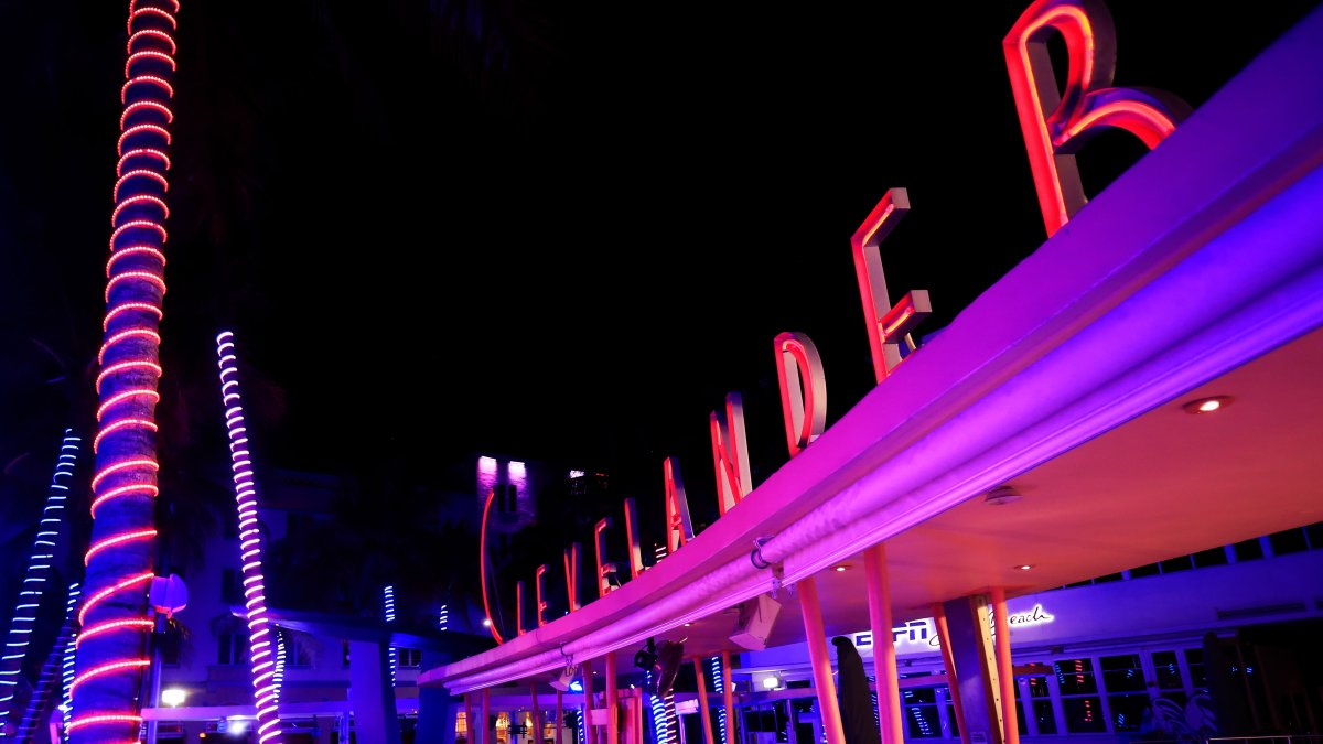 Judge Rules Clevelander Hotel Can Sell Alcohol Until 5 a.m.
