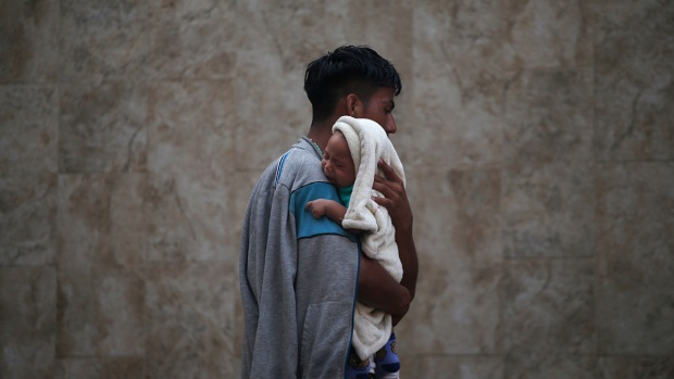 Top News Photos: Honduran Migrants, Trans Rights, and More