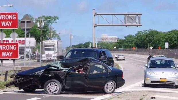 [NY] Flying Tire Kills Person on NY Highway