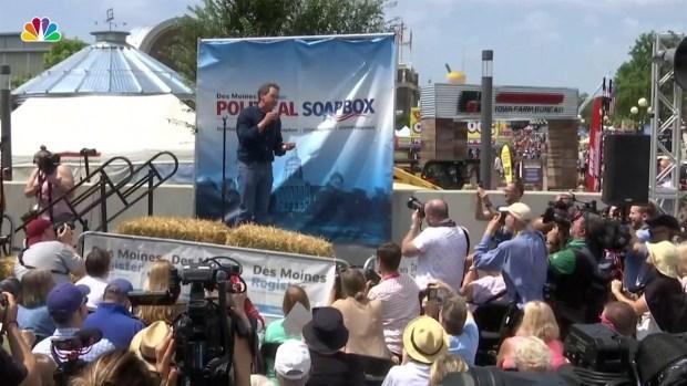 (NATL) Los candidatos demócratas se congregan en la Feria Estatal de Iowa