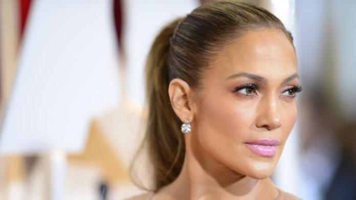 Singer and actress Jennifer Lopez was this week pretty deep look.