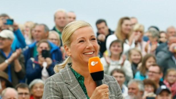 """Andrea Kiewel zelebrierte am 8. August geballte Frauenpower im """"ZDF-Fernsehgarten"""". (Foto)"""