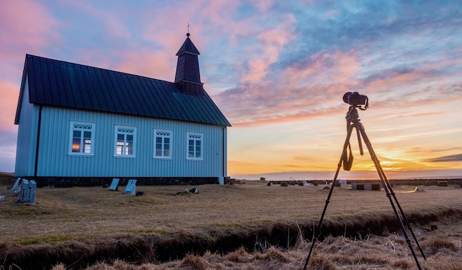 photographing the sunset in Iceland