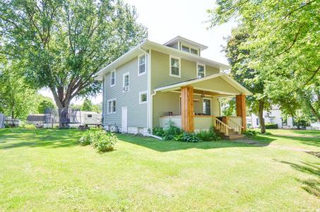 607 3rd, Montezuma, Iowa 50171-1005, 4 Bedrooms Bedrooms, ,1 BathroomBathrooms,Single Family,For Sale,3rd,5610107