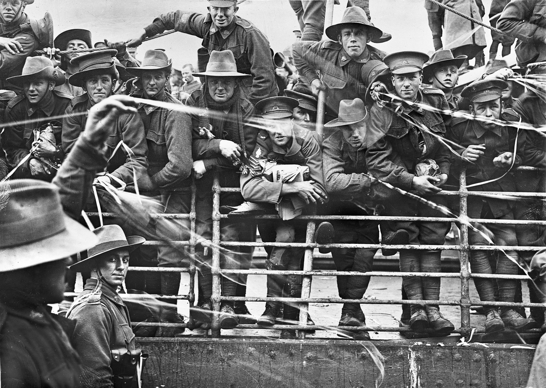 Boarding of the transport ship Ajana, Melbourne, Australia, 1916
