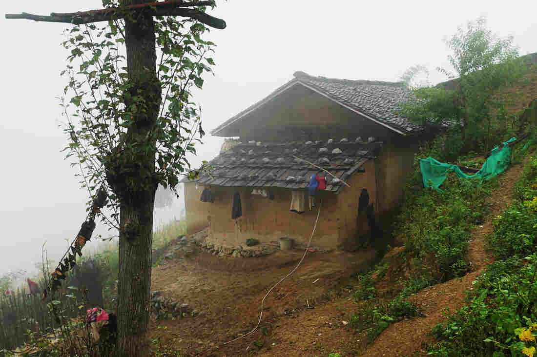 A Harrowing Mountain Scaling Commute For Chinese