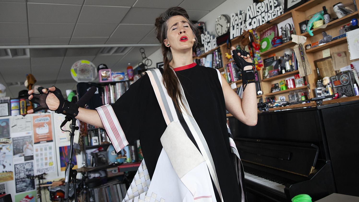 Video Watch Imogen Heap Perform At The Tiny Desk Npr