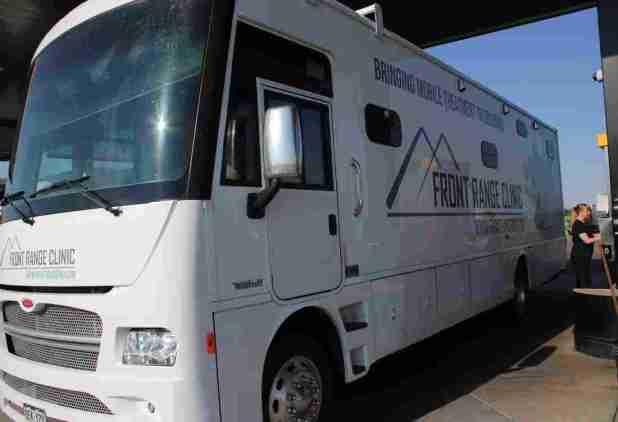 Mobile Clinics Speed Addiction Treatment To Rural Colorado : Shots – Health News – NPR 7ljsprsw custom 77134acfbb3fce9f8b6890ba42507685d4034e18 s1100 c15