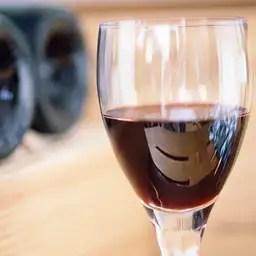 'Wijn en noten beschermen tegen osteoporose'