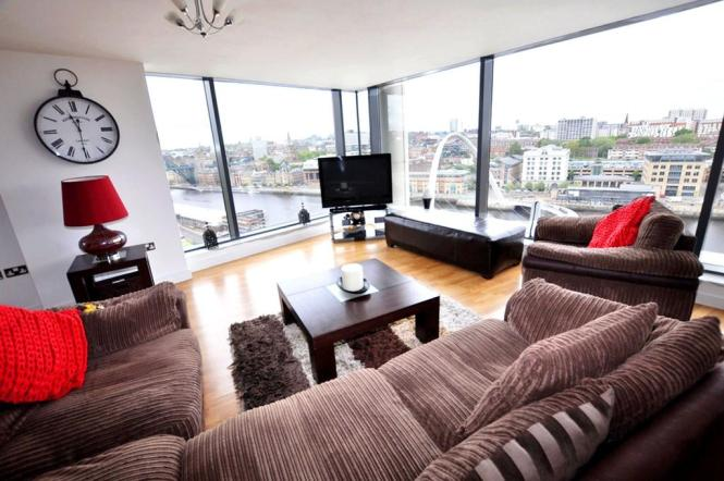 Image 1 Of 16 Living Room Main