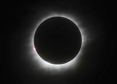 Early eclipse arrivals clog roads, gas stations in Central Oregon