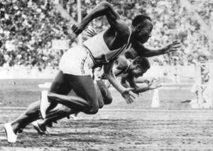 Jesse Owens 100m Jeux Olympiques Berlin 1936 Hitler médaille d'or