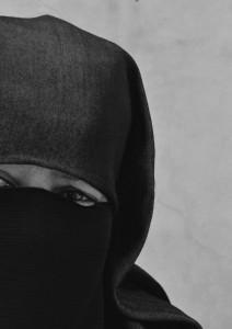 N 1 Image 34 212x300 Les femmes tunisiennes, ces inconnues de la révolution de Jasmin