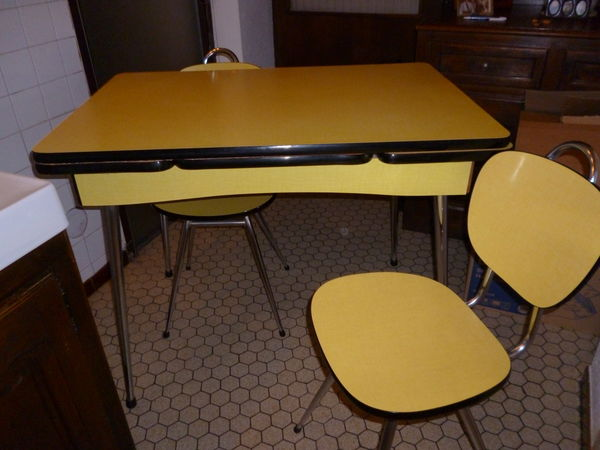 achetez table en formica quasi neuf