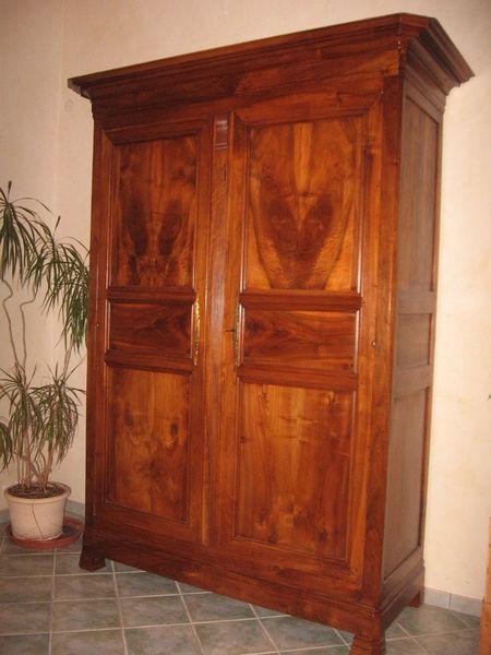 armoire ancienne en noyer massif louis philippe 1810 1820 meubles