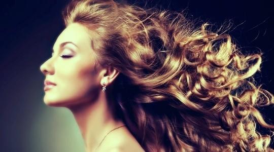 Πώς να μακρύνουν τα μαλλιά σου γρήγορα: 3 beauty μυστικά