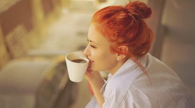 Μία 5λεπτη πρωινή ρουτίνα που θα κάνει κάθε σου μέρα υπέροχη