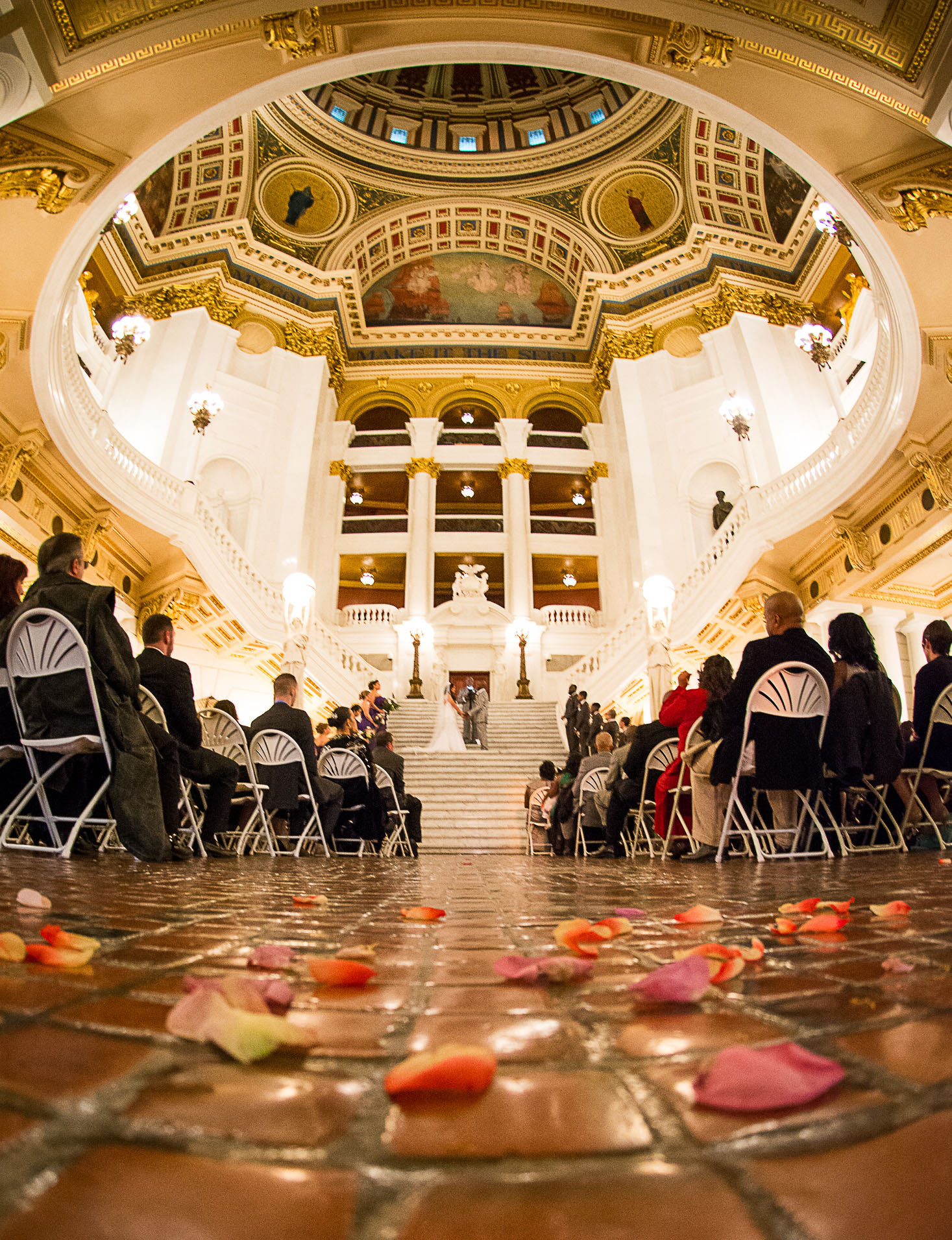 How To Have A Ridiculously Cheap But Beautiful Wedding