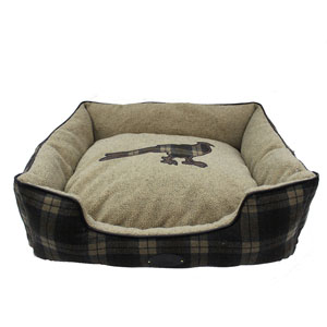Image for Wainwright's Pheasant Square Dog Bed Large from Pets At Home
