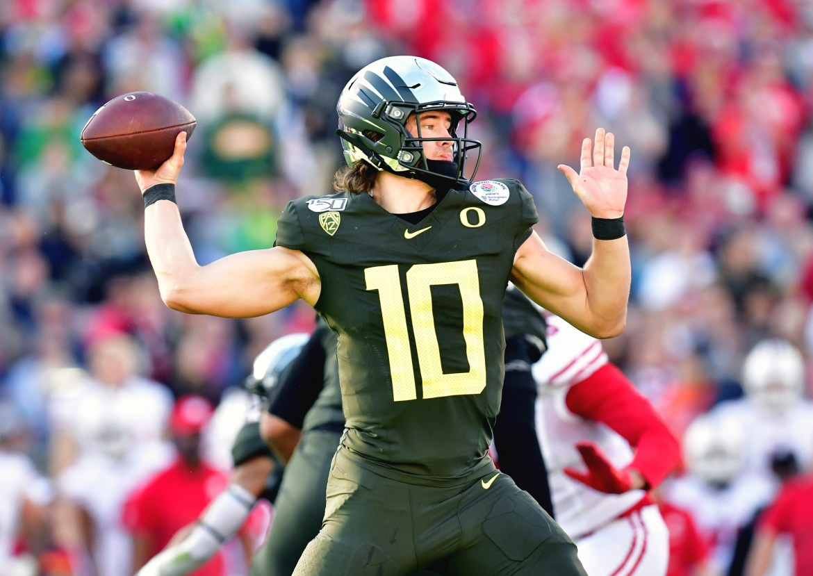 Is Justin Herbert worth the risk in the first round of the 2020 ...