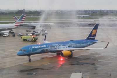 First Icelandair flight arrives at PHL - Philly