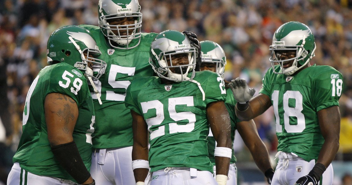 cdfcc12b4a0 Are the Eagles planning to bring back their Kelly Green uniforms? I have  only one problem with the Eagles' otherwise-badass all-black alternate ...