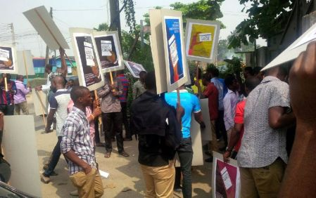 Students protest in Lagos over distribution of voters card