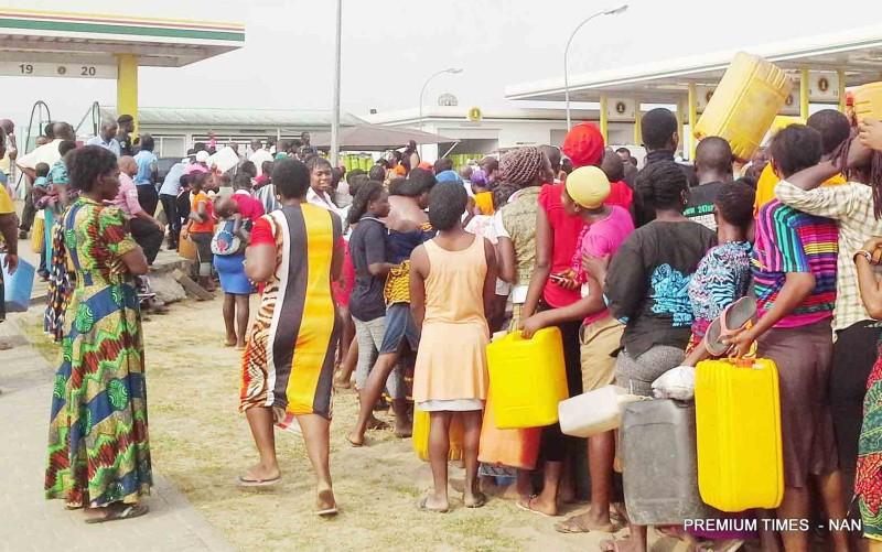 Nigerian National Petroleum Corporation (nnpc)  commences sale of kerosene at n50 per liter under the kero correct initiative in bayelsa  on thursday (29/1/15).