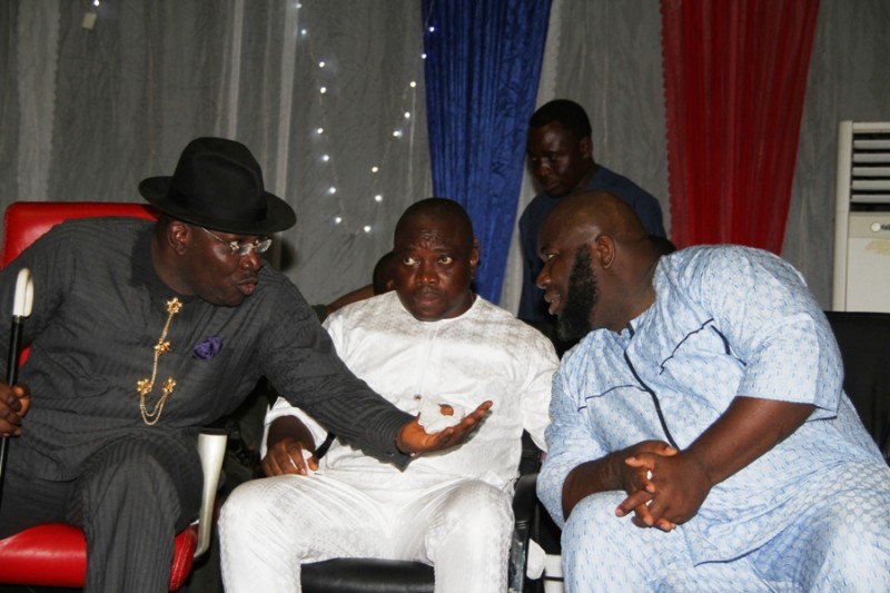 Ex Niger Delta militant, Asari Dokubo, Presidential aide, Kingsley Kuku, and the Bayelsa state governor, Seriake Dickson at the threat meeting.