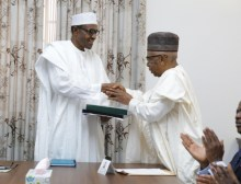 Chairman of Transition Committtee, Dr Ahmed Joda, President Muhammadu Buhari, Vice Chairman Doyin Salami, APC Nartional Chairman Chief John Oyegun during the final presentation of report of Transition committee to the President at the defence house in Abuja