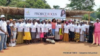 IDPs-Group photo of fabric skill participants & facilitators