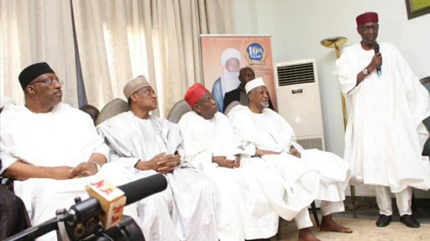 Chief of Staff to President Muhammadu Buhari, Alhaji Abba Kyari, delivering FG's condolence to Sultan Muhammad Sa'ad Abubakar when he led the Federal Government delegation to the burial of late Sultan Ibrahim Dasuki. Seated from left are Minister of Interior Abdulrahman Dambazau, Minister of Defence, Dan Ali, and others. Sokoto...Tuesday 15/11/16