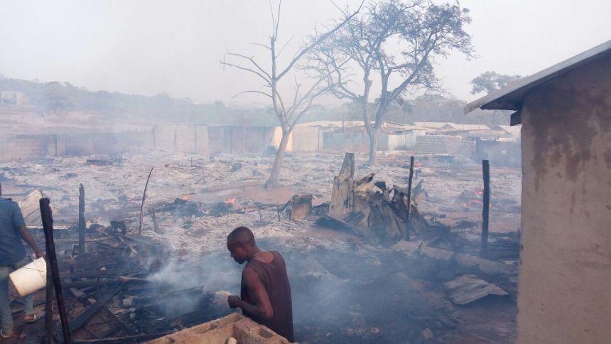 Umrah Banner: Fire Guts 50 Makeshift Houses In Abuja