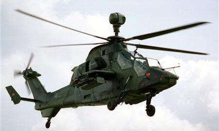 """File picture shows a German-French attack helicopter Eurocopter PAH-2/UHU called """"Tiger"""" released by the German Defence Ministry in Bonn, March 7, 2001.  REUTERS/German Defence Ministry/Files"""