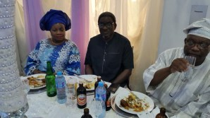 reception-6-dr-obayuwana-flanked-by-wife-another-vip