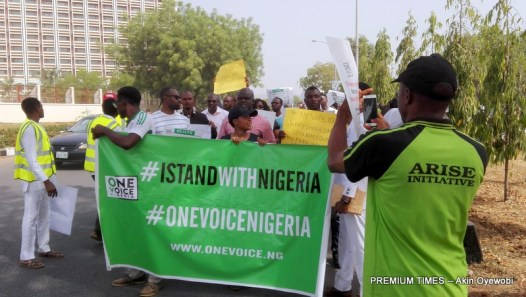 IstandwithNigeria protesters