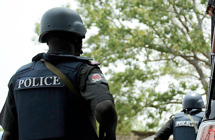 Police fail to act after officers caught on video collecting bribe