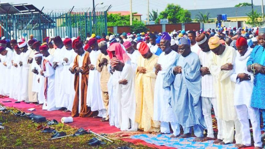 Eid el fitr aisha buhari dogara south east governors others imam anwar ue islam movement of nigeria alhaji quasim olapade leads the m4hsunfo