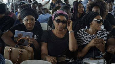 Sympathizers during late Moji Olaiya's service of songs