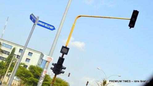 One of the traffic lights along Ahmadu Bello Way