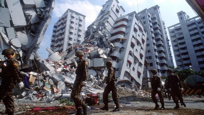 Earthquake IMG [photo credit: Answers Africa]
