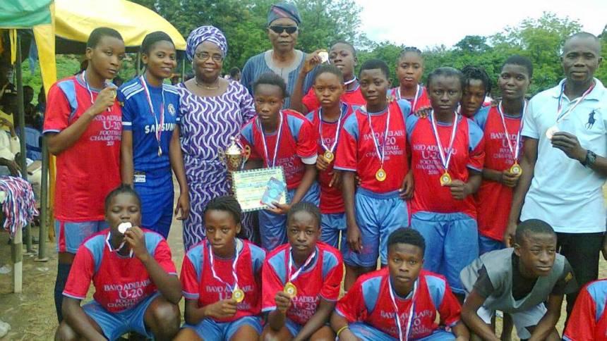 Ibiyemi Ajadi(sponsor) with the winning team.