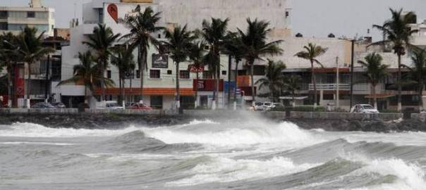 Hurricane Katia hits Mexico's Veracruz State. [Photo credit: The Hindu]